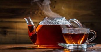喝熱水與咖啡和茶——為什麼是熱水而不是冷水?