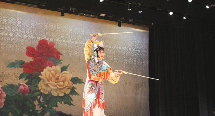 西雅圖首會京劇梅派傳承人 胡文閣談中國男旦藝術