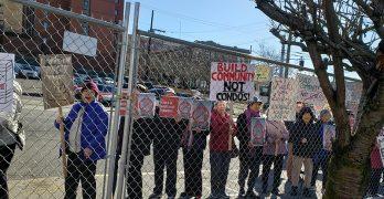 Koda公寓樓破土動工 典禮中的抗議活動