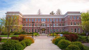 東華盛頓大學面臨$360萬財政赤字 將重組院系削減開銷