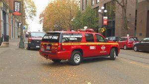 市中心推出非緊急911救助服務 「健康第一」小紅車現身街頭
