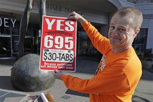 $30汽車標籤費議案受選民擁護 市府郡府紛紛起訴