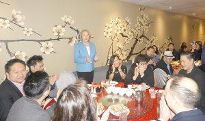 新冠病毒重創華人餐飲旅遊業 市長親臨華埠為企業打氣