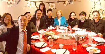 杜爾肯市長親臨華埠國際區 支持企業對疫情危機表達關注